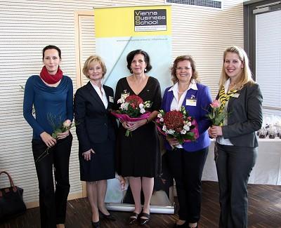Mag. Sabine Balmasovich, Dir. Susi Neuner, Prof. Heliane Böhm und Prof. Michaela Auer, Mag. Sabine Haferl (Raiffeisen)
